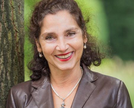 Sabine Laniado by Annette Koroll